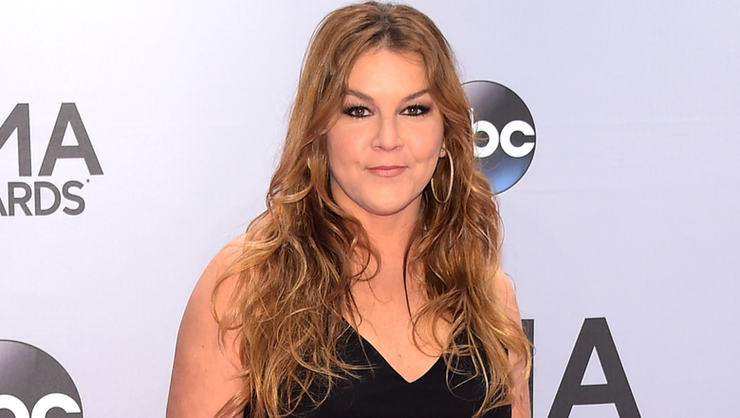 Gretchen Wilson Kicked Out Of New Mexico Hotel After Employees Call 911   | iHeartRadio
