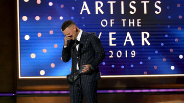 iHeartCountry - Kane Brown Tearfully Dedicates CMT Artists Of The Year Win To Late Drummer