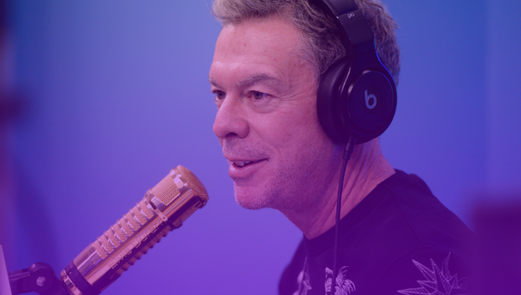 Spirit Day 2019: Elvis Duran Delivers Words Of Wisdom To LGBTQ Youth | iHeartRadio