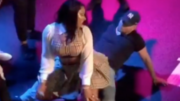 Chuck Dizzle - Megan Thee Stallion Gives Fan Lap Dance After Getting Dragged By Security