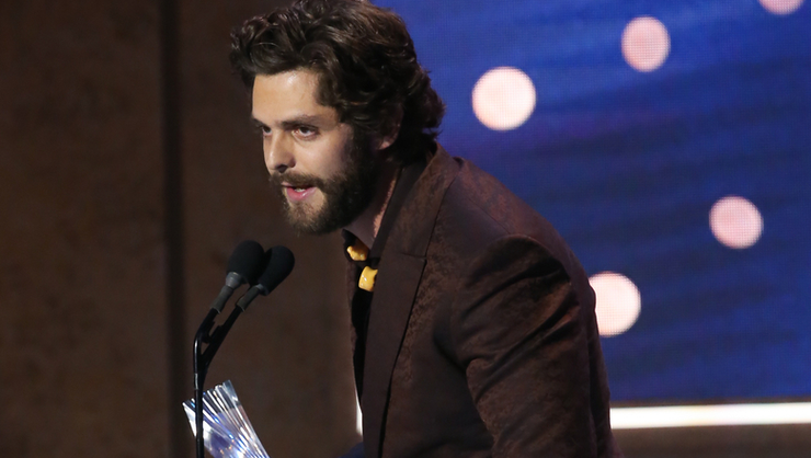 Thomas Rhett Prays For Kane Brown At CMT Artists Of The Year | iHeartRadio