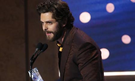 Music News - Thomas Rhett Prays For Kane Brown At CMT Artists Of The Year
