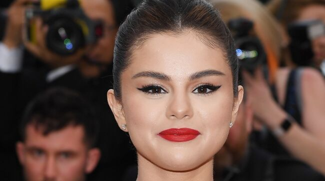 Selena Gomez Sends Fans Into Meltdown After Posting Cryptic Photo