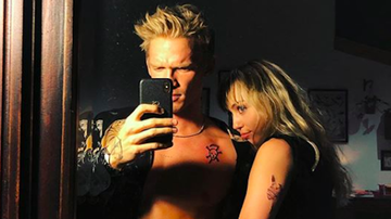 Entertainment News - Cody Simpson Calls Girlfriend Miley Cyrus His 'Golden Thing' In New Song
