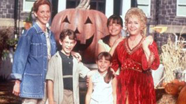 You Can Stream 'Halloweentown' For Free On YouTube All Week