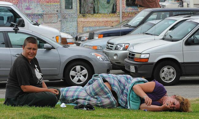Anger Over Growing Homeless Encampment Services Near Venice Blvd
