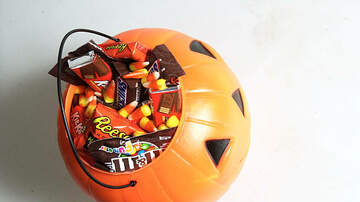 Amy James - The Worst Halloween Candy for Your Teeth