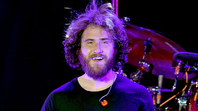 Mike Posner Completes Walk Across America: See The Victorious Pic