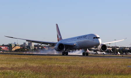 National News - Qantas Completes First 19-Hour Nonstop Flight Between New York and Sydney