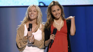 iHeartRadio Music News - Jennie Garth Wants To Reboot 'What I Like About You' With Amanda Bynes