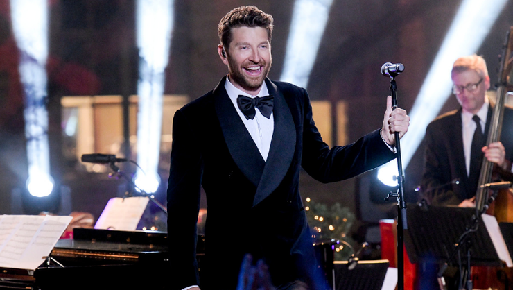 Brett Eldredge Is Getting In The Holiday Spirit With 2019 'Glow Live Tour'