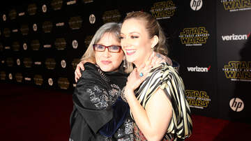 Sarah the Web Girl - Billie Lourd Pays Tribute to Mom Carrie Fisher by Singing 'American Girl'