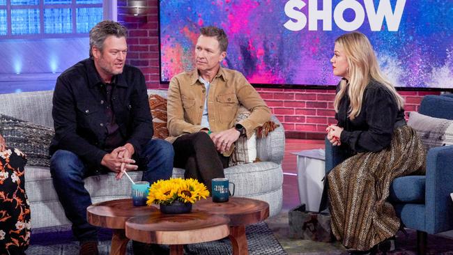 Watch Blake Shelton Surprise Craig Morgan On Kelly Clarkson's Show