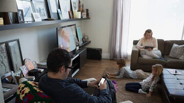 Sos - Parents Are Just As Bad At Screen Time As Kids