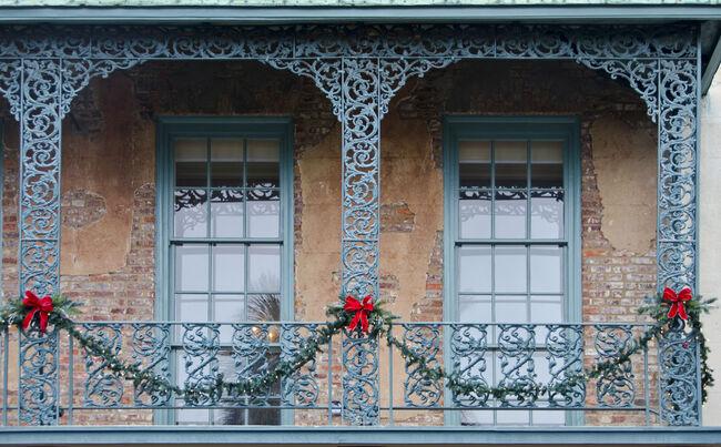 Holiday Windows in Charleston