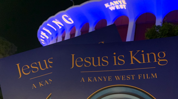#iHeartSoCal - Kanye West Previews 'Jesus Is King' With Family and Fans At LA's The Forum