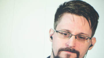 Weird, Odd and Bizarre News - Edward Snowden Says He Searched CIA's Servers for Proof Aliens Exist