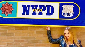 The News Junkie - Stop Being So Upset A Porn Star Visited the NYPD