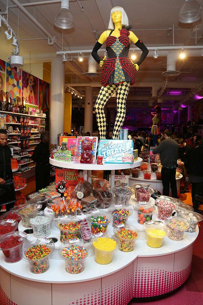 "Splashthat.com Presents ""F*** Costumes, Straight Candy"""