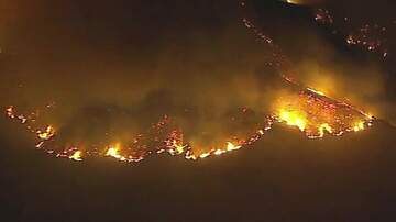 KOGO LOCAL NEWS - Fire Near Getty Center in Los Angeles Forces Evacuations