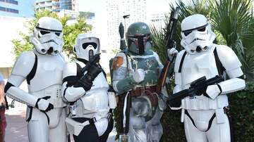 Anthony Moore - Hey Star Wars Fans...Hopefully You Saved Your Old Action Figures! $$$