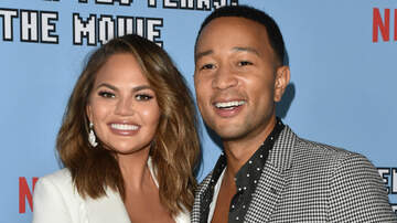 Entertainment - Chrissy Teigen Praises John Legend After He Misses Flight To Be With Her