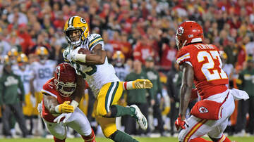 The Crossover with Ted Davis & Dan Needles - Is The Packers Offense Ahead Of The Defense Now?