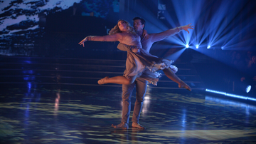 Women of iHeartCountry - Lauren Alaina Competes On 'Dancing With The Stars' Despite Rib Injury