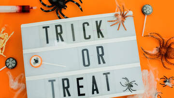 Hannah Mac - Man Built Halloween Costume to Get Candy!
