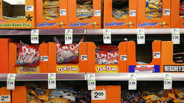 Maxwell - Happy Halloween! Maxwell Ranks Halloween Candy From First to Worst