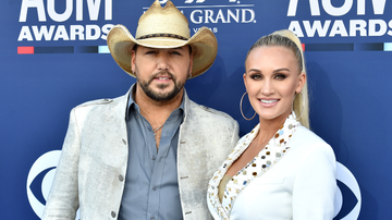 iHeartCountry - Jason Aldean Admits He 'Hated' How Relationship With Wife Brittany Started