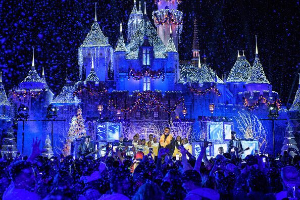 Disney Parks Presents a Disney Channel Holiday Celebration
