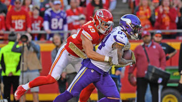 Vikings Blog - Vikings' high-powered offense grounded by improving Chiefs D | KFAN