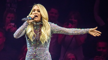 Women of iHeartCountry - Carrie Underwood Tears Up Reflecting On End Of 'Cry Pretty 360' Tour