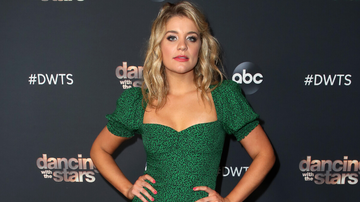 Women of iHeartCountry - Lauren Alaina Honors Grandmother With Dance To Elvis Presley's 'Hound Dog'