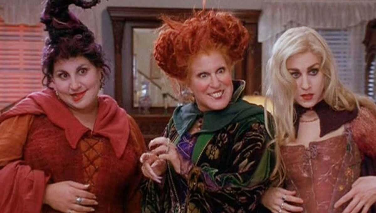 Sarah Jessica Parker Reveals Original Cast Signed On For 'Hocus Pocus 2' - KFI AM 640