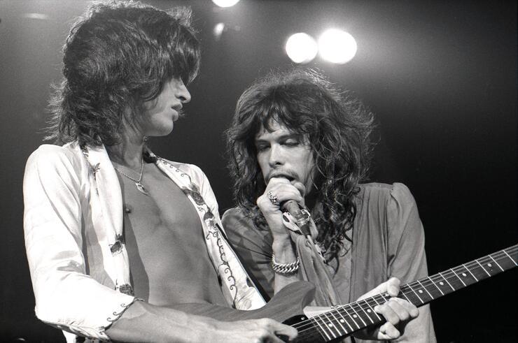 Photo of AEROSMITH and Joe PERRY and Steven TYLER