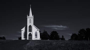 iHeartRadio Podcasts - 'Nemesis Of The Pulpit': The Church Vs. The Spiritualists On Unobscured