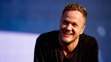 Frankie and Jess - Lead Singer of Imagine Dragons Jams With Teens In Driveway Concert
