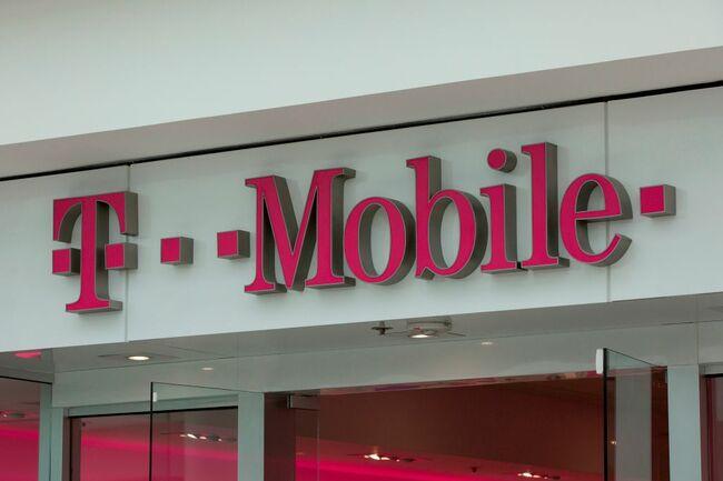 US-IT-telecom-wireless-merger-TMobile-Sprint-lifestyle-telecommu