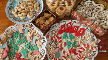 Beth & Friends - The Best New Holiday Foods to Snack on This Season
