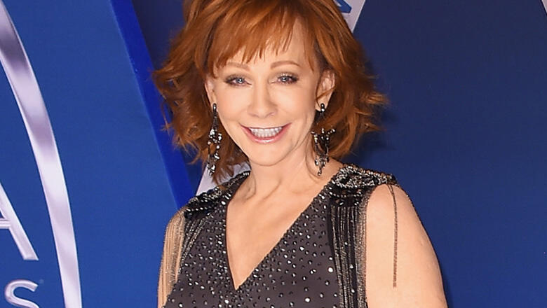 """Reba Reveals Where The """"Real Action"""" Will Happen During CMA Awards"""