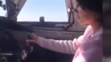 Aviation Blog - Jay Ratliff - Woman is Filmed in Co pilot's Seat Flies a Plane Over Siberia