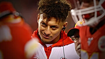 Outkick The Coverage with Clay Travis - NFL Doctor: Patrick Mahomes Has 50% Chance to Re-Injure His Knee This Year