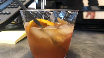 Elvis Duran - How To Make A Ginger Orange Old Fashion Fall Cocktail
