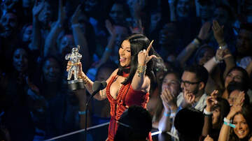 Gabby Diaz - Cardi B pulls up on Nicki Minaj Fan who had been trolling her!