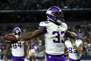HIGHLIGHTS: Vikings get impressive win against Cowboys in prime time