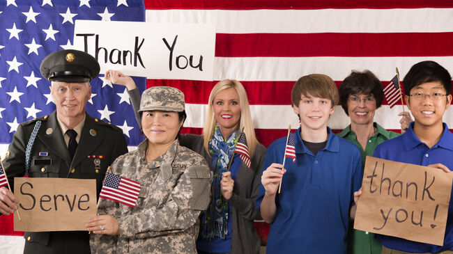 Military:  Group of people show appreciation for American veterans.