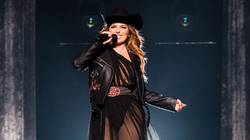 iHeartCountry - Shania Twain To Perform Her Greatest Hits At 2019 American Music Awards