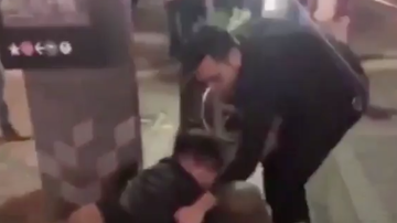 Chuck Dizzle - Army Veteran With No Legs Beats A Guy Up For Bullying People On The Streets